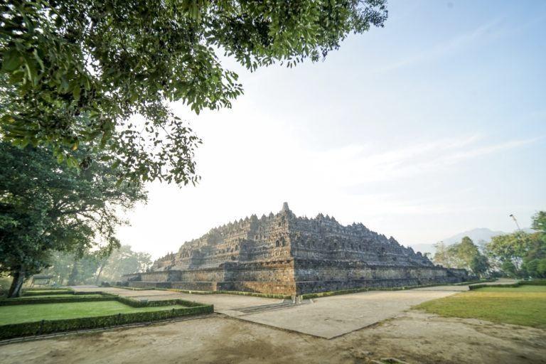 Candi Borobudur via www.borobudurpark.com