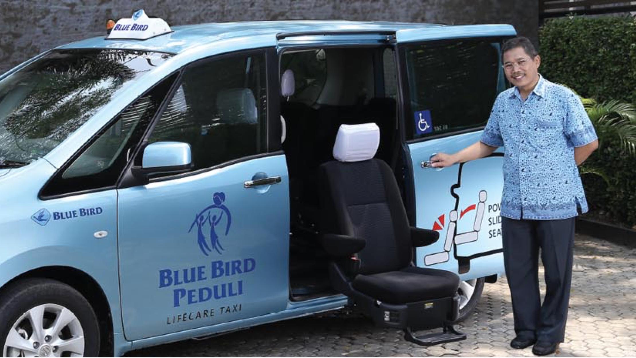 Bluebird Group raih MURI berkat layanan Lifecare Vehicle Taxi © Blue Bird Group