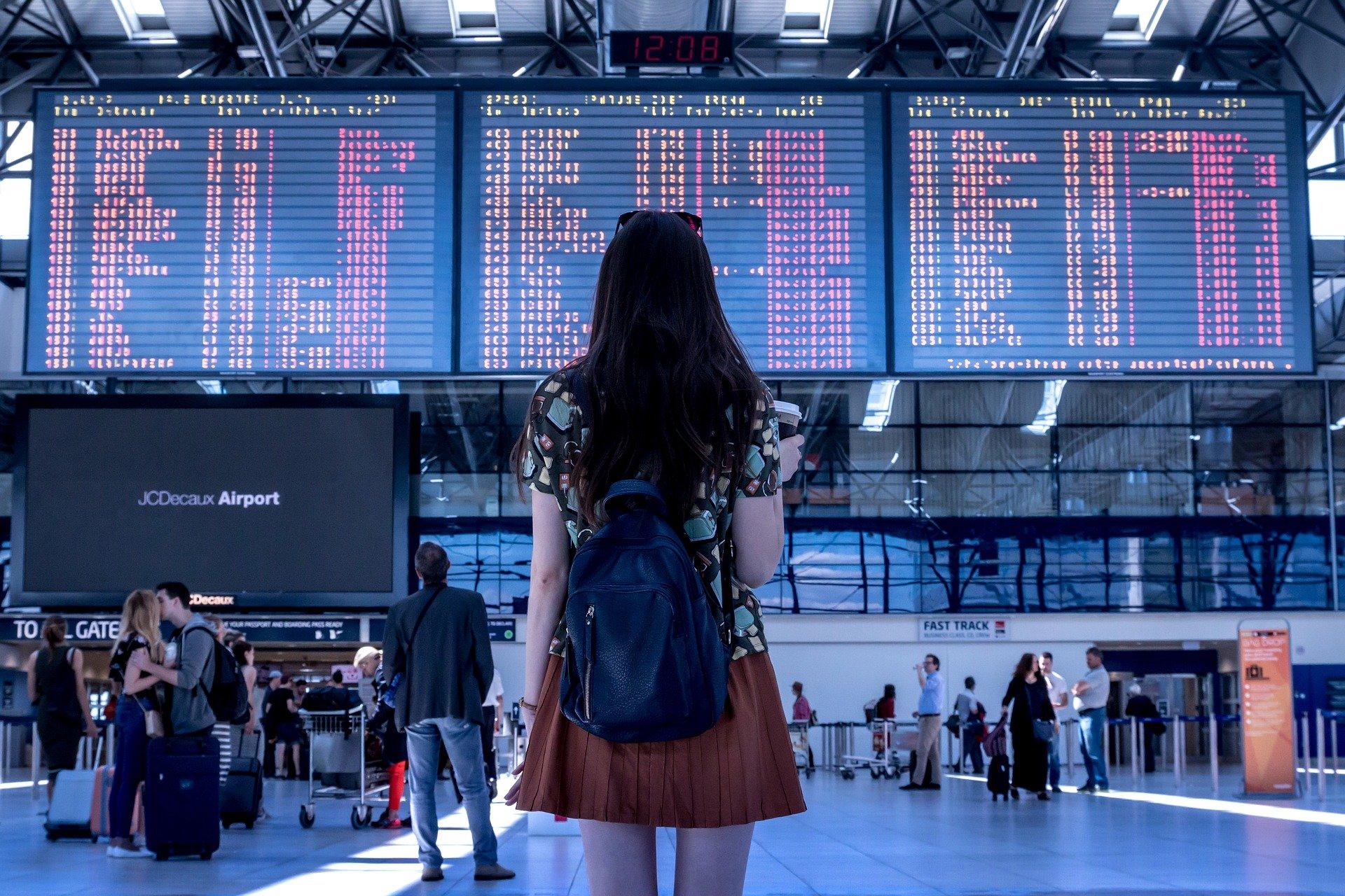 Aturan Terbaru Perjalanan Udara dari Luar Indonesia